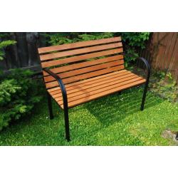 Parková lavicadrevenná so železnou kostrou